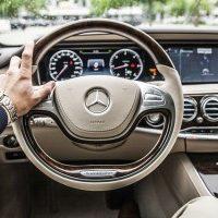 Jak bez ryzyka wynająć samochód?